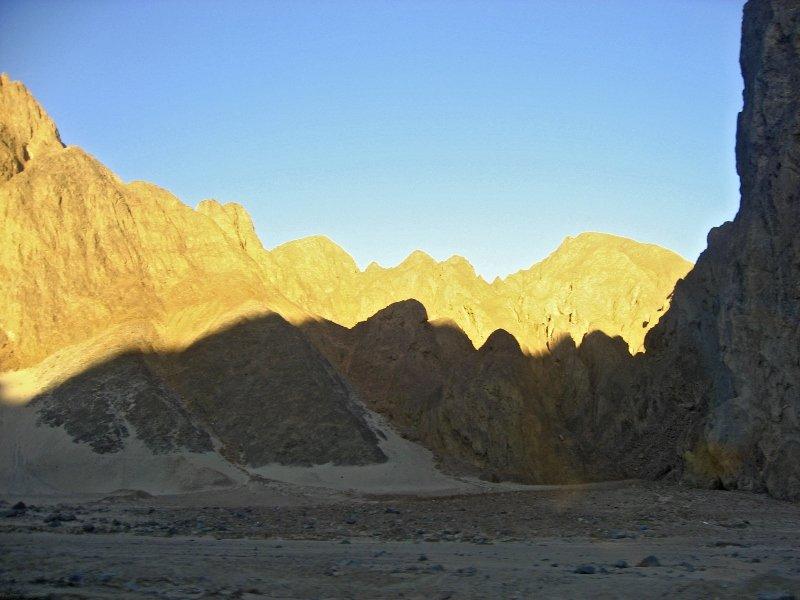 горы, Аравийская пустыня, из Хургады в Луксор, рассвет в пустыне