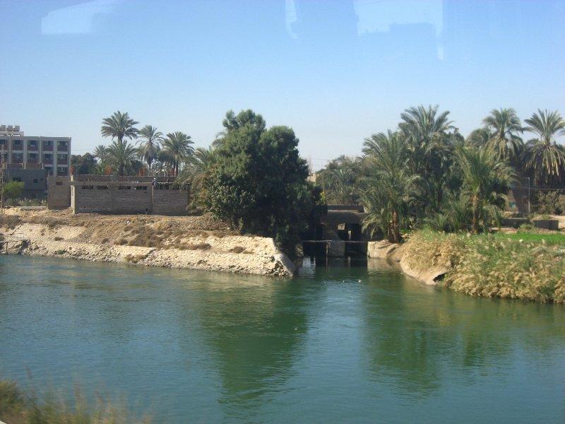 долина реки Нил, долина Нила, из Хургады в Луксор,