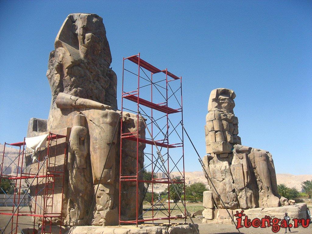колоссы Мемнона, Луксор, Египет, Аменхотеп