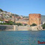 Судоверфь Терсане и башня Кызыл Куле в Алании