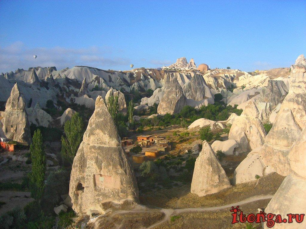 Каппадокия, Турция, камины фей, Долина Голубей, Гёреме