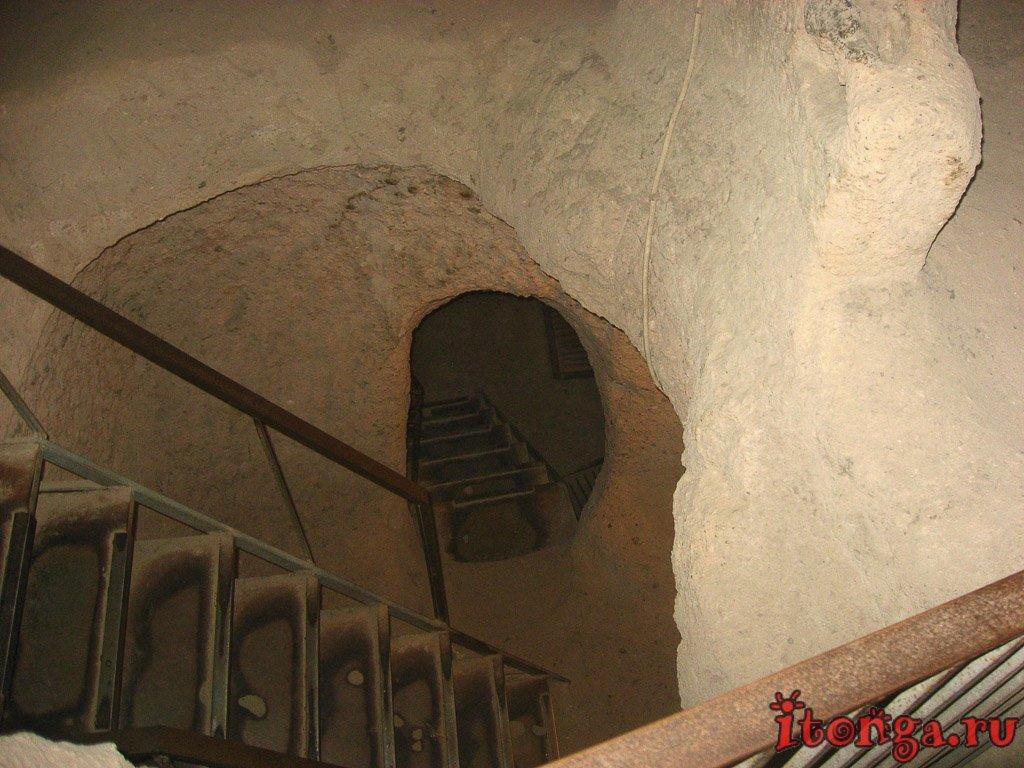 Каппадокия, Турция, подземный город, Каймаклы, пещеры,