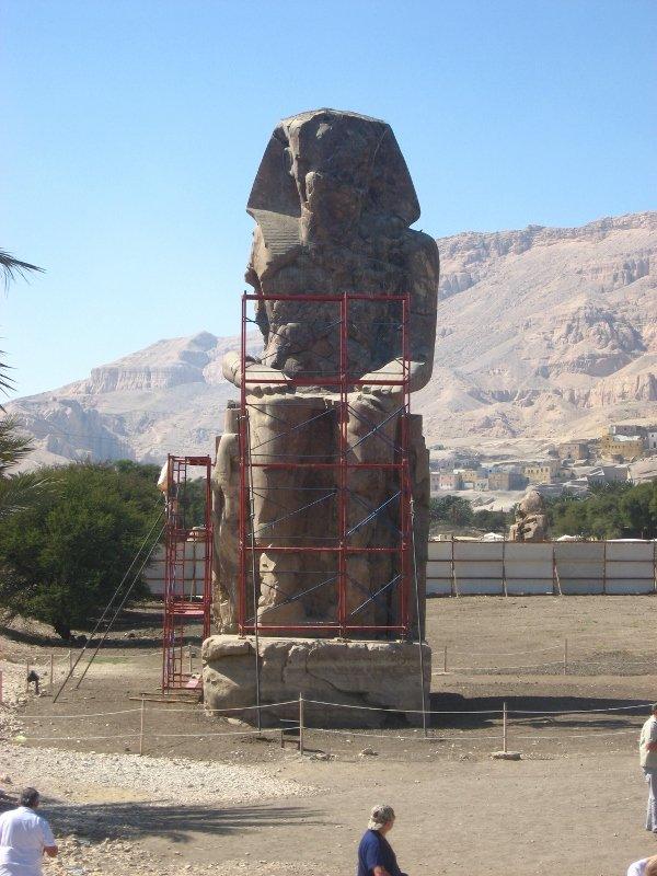 Колоссы Мемнона в Египте, Луксор