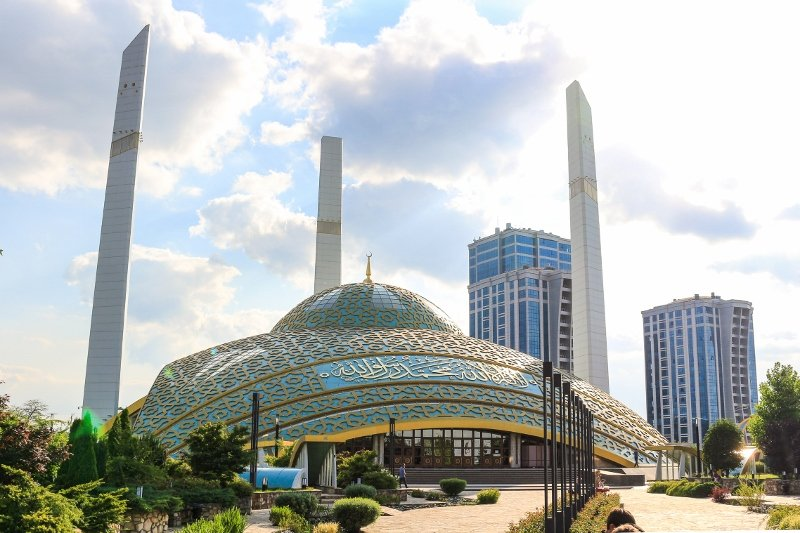 Чечня: Аргун Сити и мечеть имени Аймани Кадыровой - Храмы, Города - chechnya, russia, kavkaz