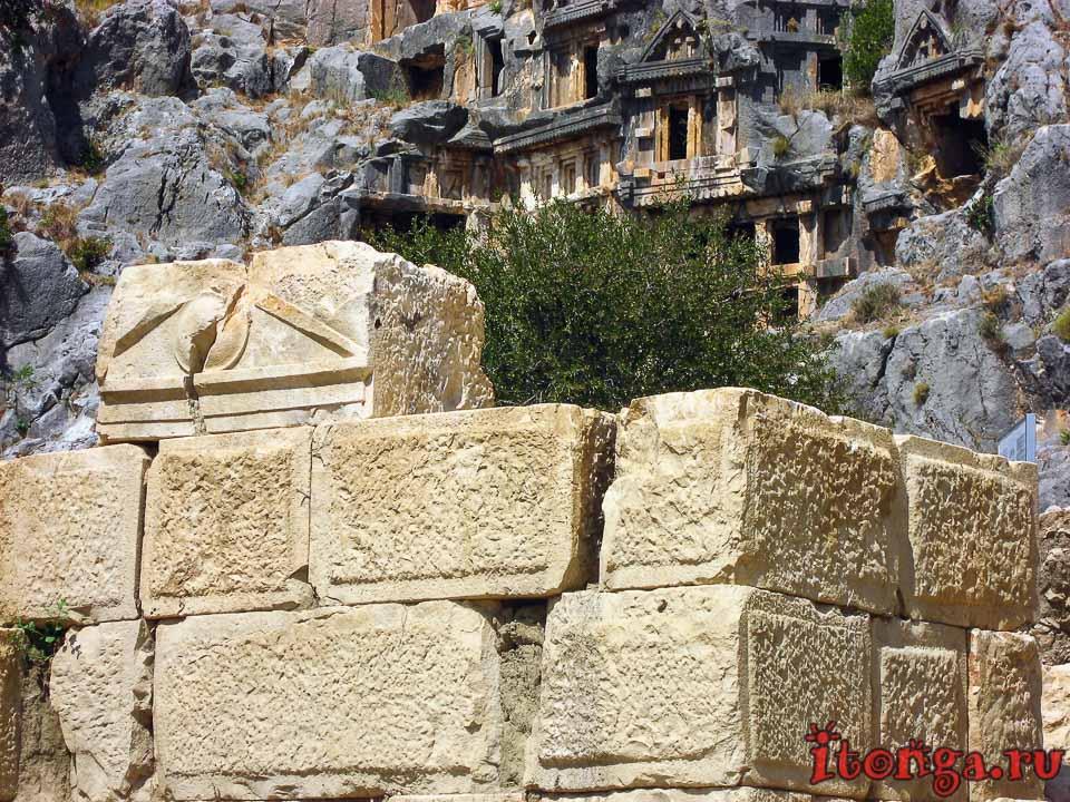 Турция, Ликия, Демре, Миры Ликийские, Ликийские гробницы, город мёртвых,