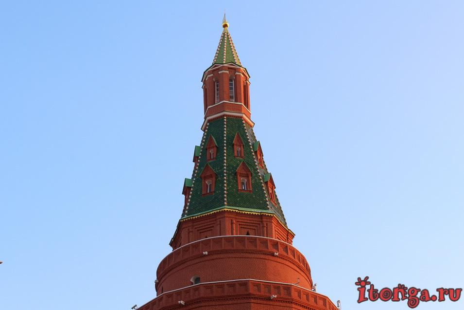 Красная площадь, Московский Кремль