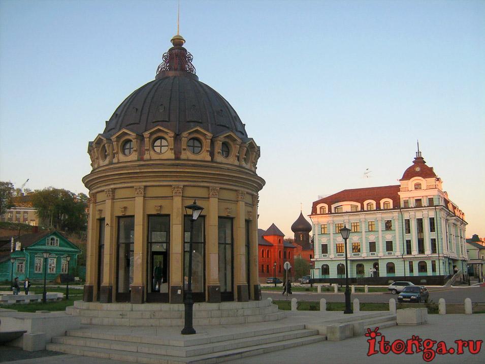 Петербургская улица, достопримечательности Казани