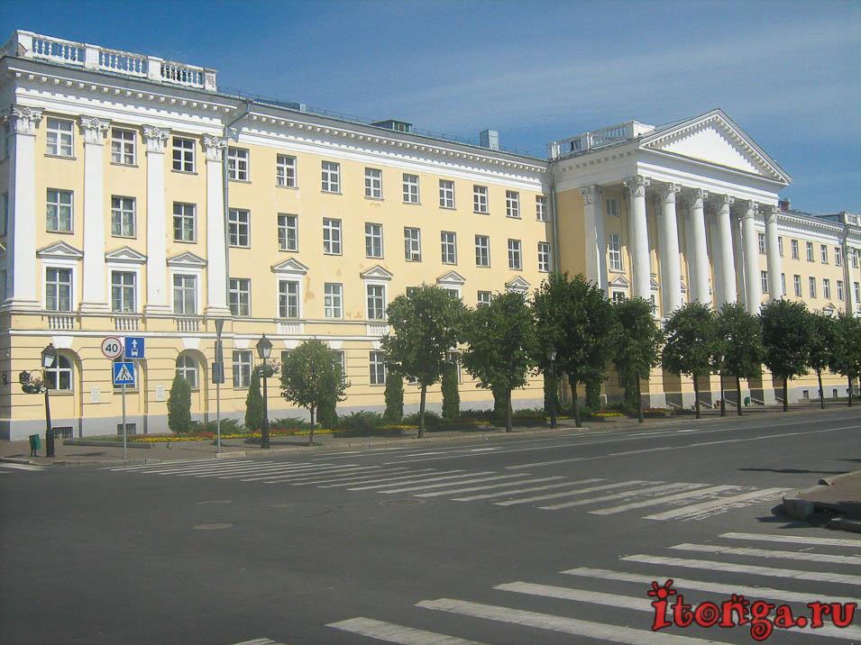 улица Кремлёвская в Казани, улица Лобачевского