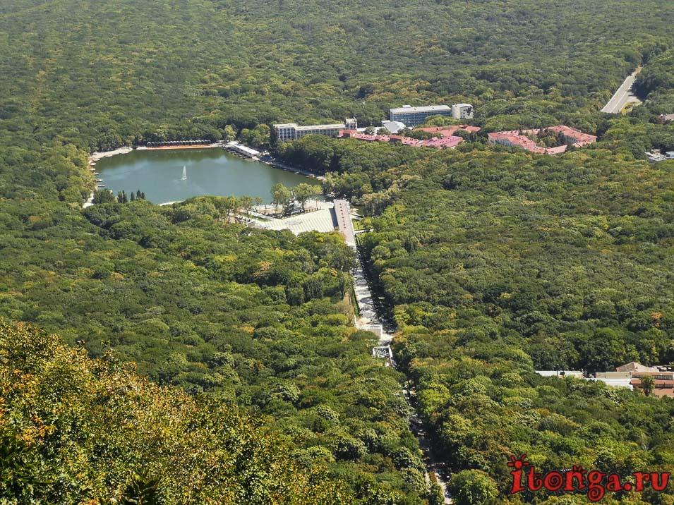 Железноводск, 30 лет Победы, озеро, вид с горы Железной