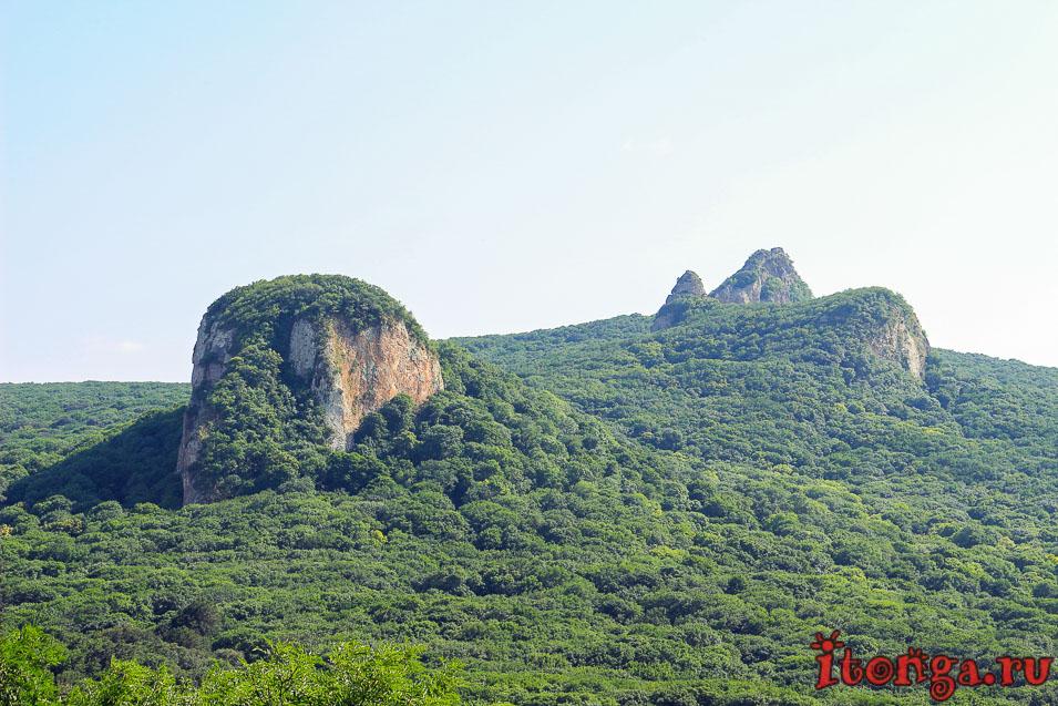 гора Тупая, Кабанка, гора Острая, вид с горы Медовой