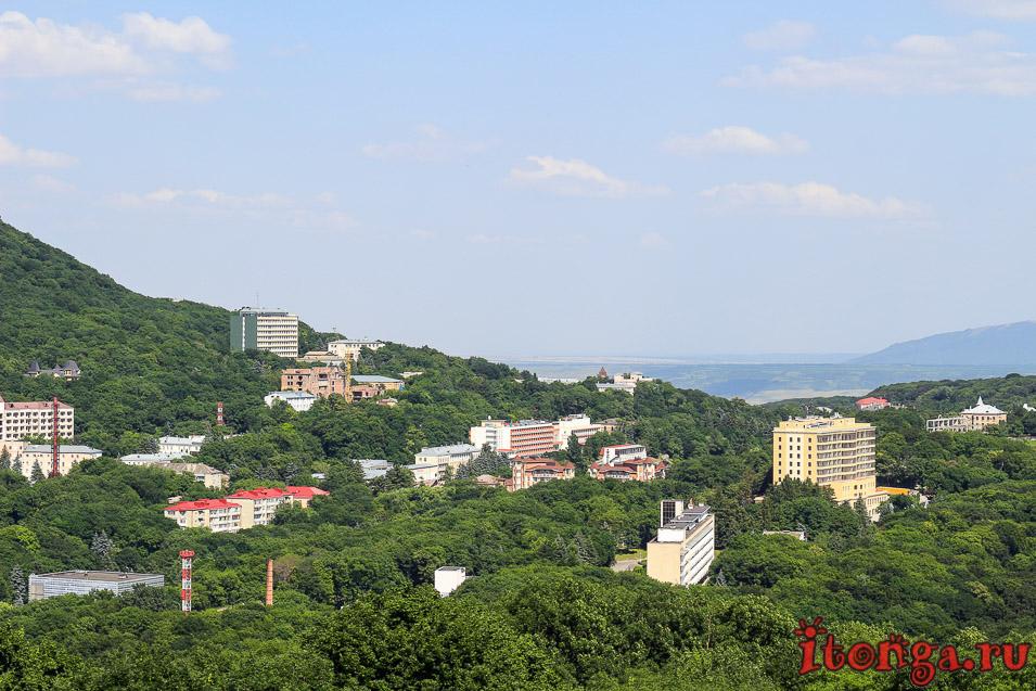 вид с горы Медовой на Железноводск