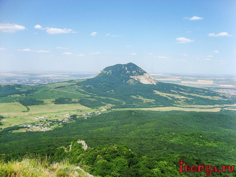 вид с вершины Развалки, Железноводск, гора Змейка