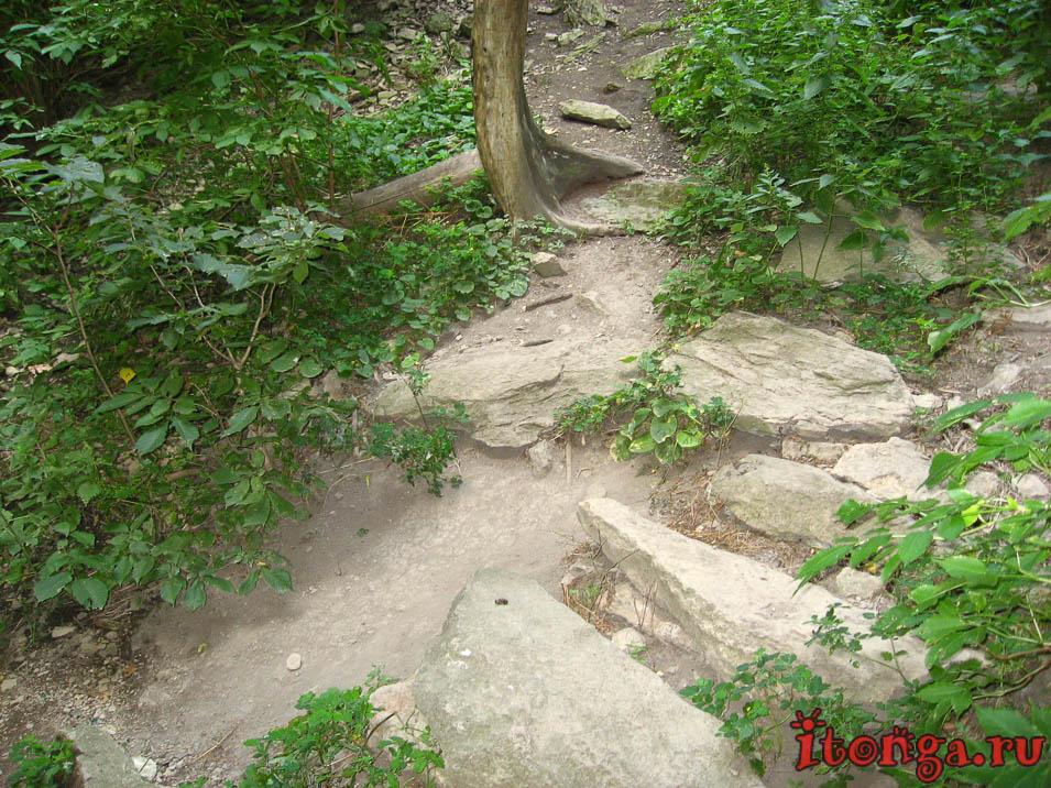 селитряные скалы в Железноводске
