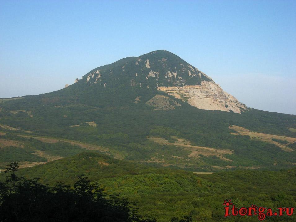 селитряные скалы в Железноводске, гора Змейка