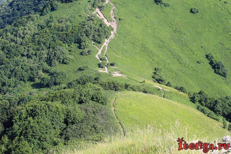 восхождение на Бештау, подъём на Малый Тау, седловина