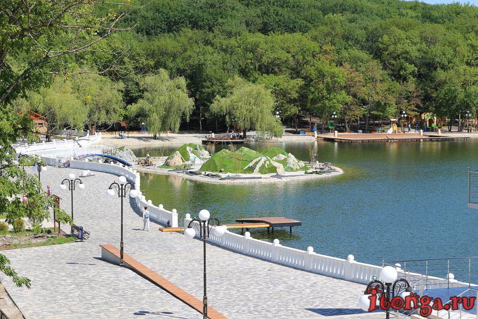 озеро в Железноводске, остров Гуливеров, центральная набережная