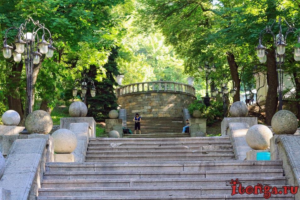 вход в парк Железноводска, лестница