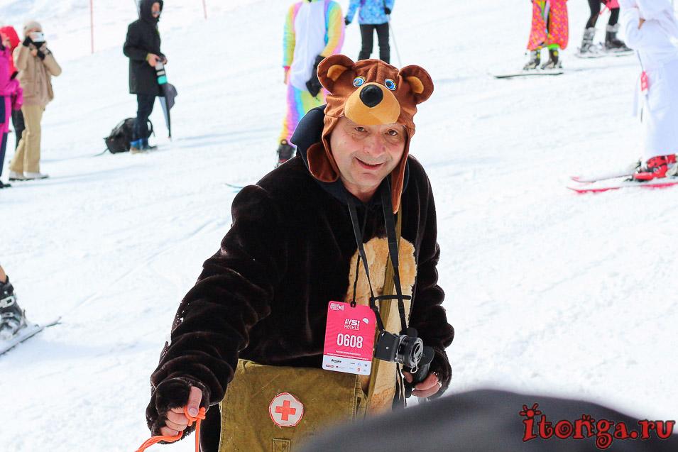 Грелка Фест, Шерегеш, спуск в карнавальных костюмах