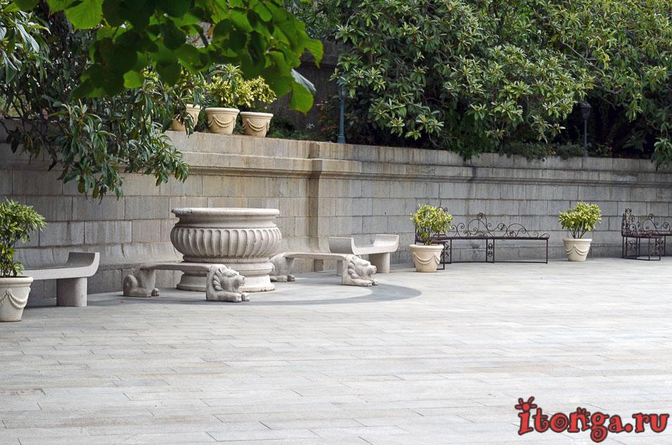 ливадийский дворец, львы, ялта, экскурсия