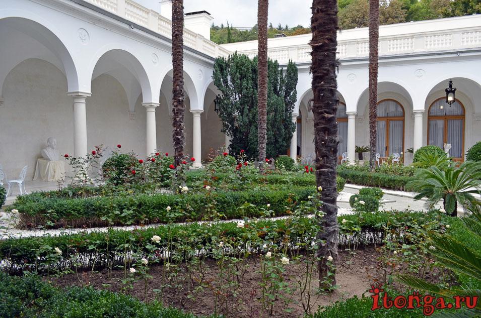 итальянский дворик, ялта, ливадия, крым