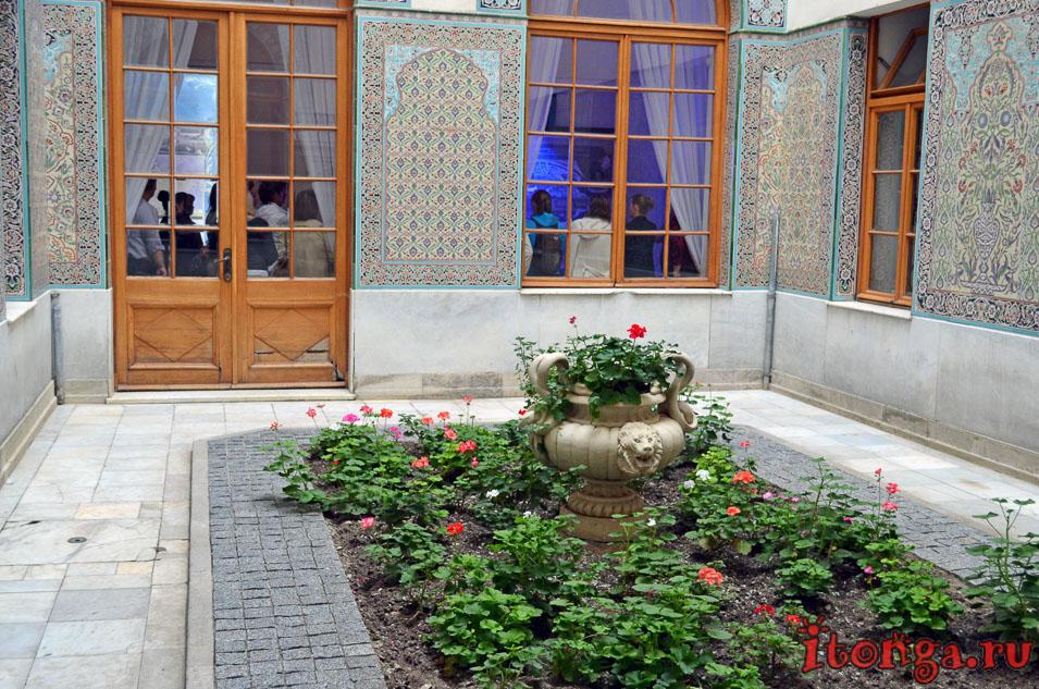 ливадийский дворец, арабский дворик